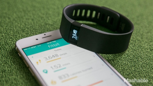Fitbit_Charge_Wearable-29